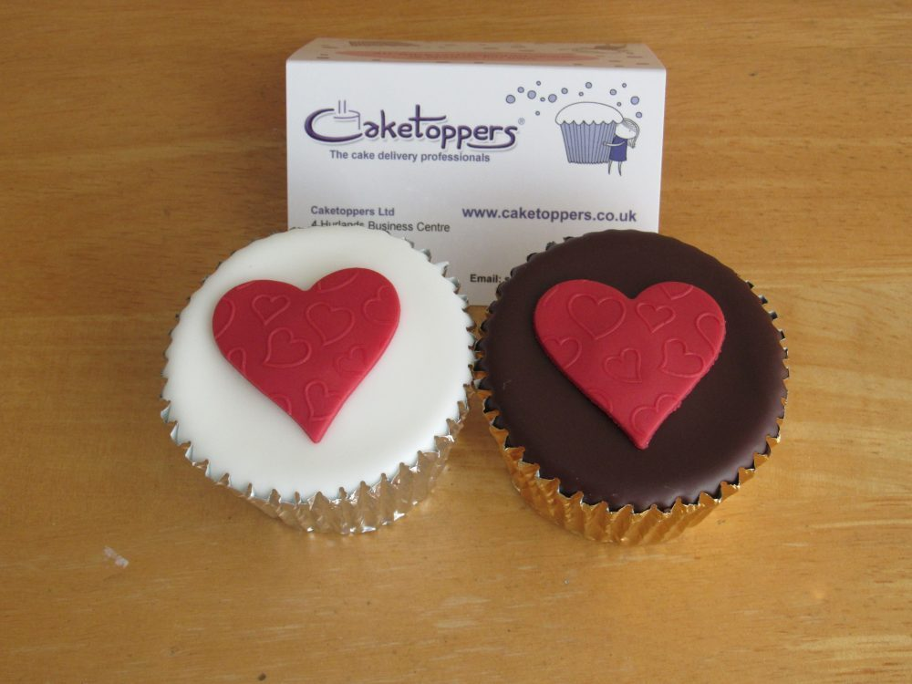 Personalised Cupcakes with Caketoppers