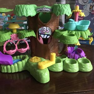 A Hatchimals Colleggtibles Hatchery Nursery Playset Review