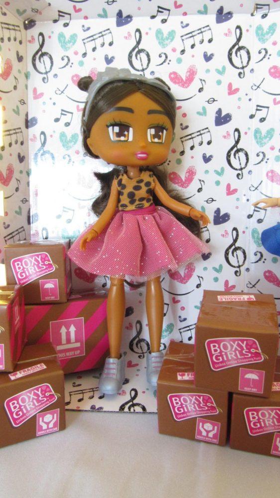 Boxy Dolls Nomi