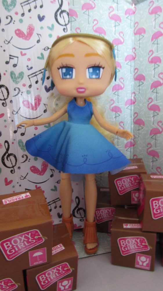 Boxy Dolls Willa